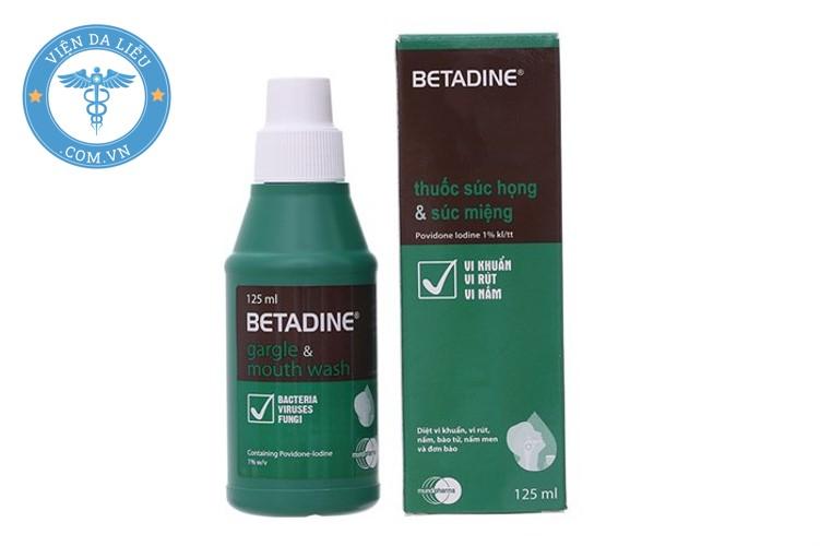 1. Dung dịch Betadine xanh lá súc miệng 1